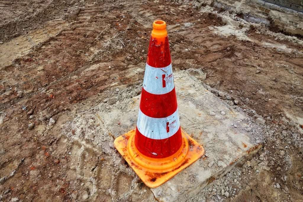 traffic-cone-3110165_1920